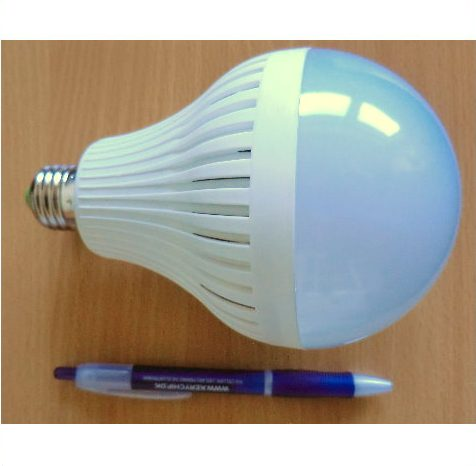 230V/15W LEDPære E27 fatning varm/hvid